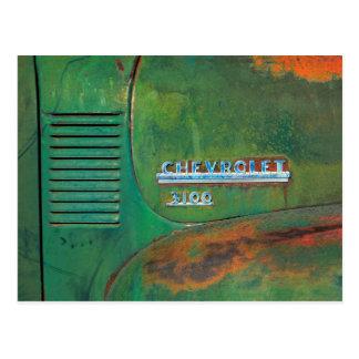 錆ついたヴィンテージの緑のトラックの側面 ポストカード