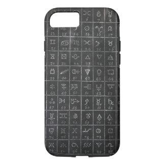 錬金術の記号の黒い黒板の黒板 iPhone 8/7ケース