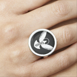 鍵を持つ鳩 指輪