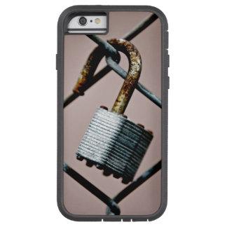 鍵を開けられた電話 TOUGH XTREME iPhone 6 ケース