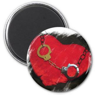 鎖でつながれたハートの磁石 マグネット