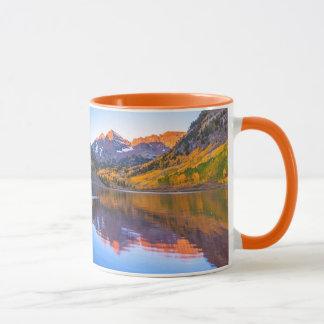 鐘あずき色のAlpenの白熱 マグカップ