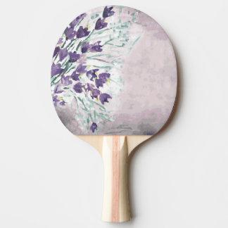 鐘が付いている水彩画のグランジな背景 卓球ラケット