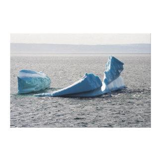 鐘の島の氷山 キャンバスプリント