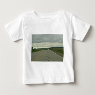 -長い道のり-芝生を運転する国 ベビーTシャツ