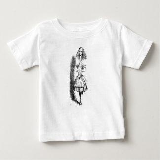 長い首アリス ベビーTシャツ