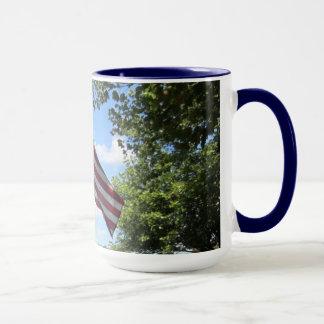 長くそれは米国旗のマグを振るように マグカップ