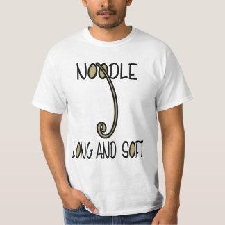 長く、柔らかいヌードル Tシャツ