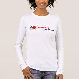 長袖によって合われるTシャツ#1を寛大に編むこと 長袖Tシャツ