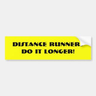 長距離ランナーはそれをより長くします! バンパーステッカー