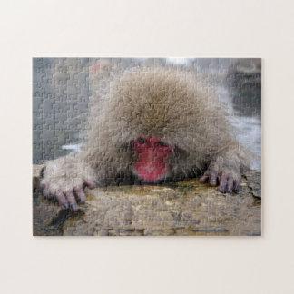 長野、日本の孤独な雪猿 ジグソーパズル