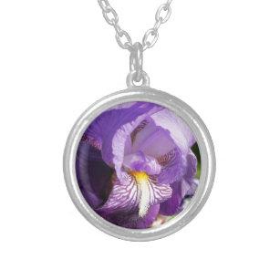 開花のアイリス シルバープレートネックレス