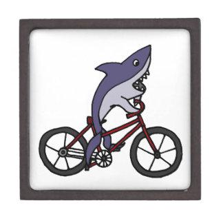間抜けな鮫の乗馬の自転車の漫画 ギフトボックス