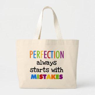 間違いの完全さの開始 ラージトートバッグ