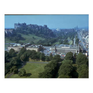 間隔のエジンバラの城、スコットランド ポストカード