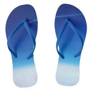 限界の大人のビーチサンダルを越えて、青い細い革紐 ビーチサンダル
