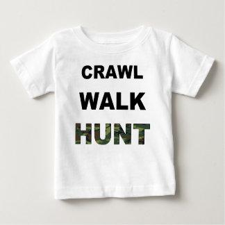 除行の歩行の狩り ベビーTシャツ