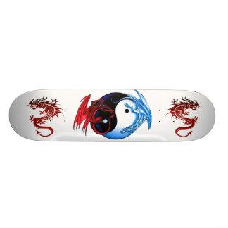 陰陽のドラゴンのスケートボード スケボーデッキ