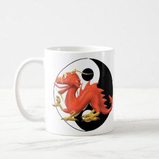 陰陽のドラゴン コーヒーマグカップ