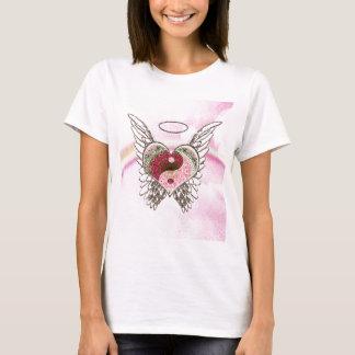 陰陽のハートの天使によっては水彩画が飛びます Tシャツ