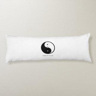 陰陽のヨガの抱き枕 ボディピロー