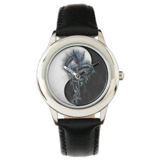 陰陽の中国のなドラゴンはステンレス鋼の腕時計をからかいます 腕時計