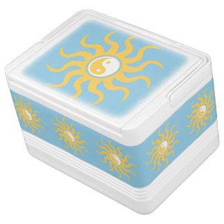 陰陽の日光 イグルークーラーボックス