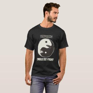 陰陽の無限の戦いの風刺的な漫画 Tシャツ