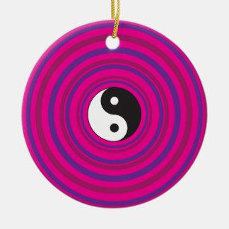 陰陽の紫色のピンクの同心円パターン セラミックオーナメント