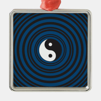 陰陽の記号の青い同心円のさざ波 メタルオーナメント