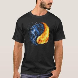 陰陽の記号 Tシャツ