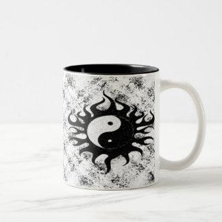 陰陽の(ばちゃばちゃ)跳ねる ツートーンマグカップ