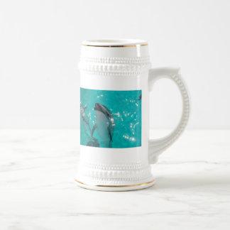 陶磁器のイルカステイン ビールジョッキ