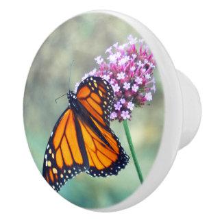 陶磁器のノブ、花のマダラチョウ セラミックノブ