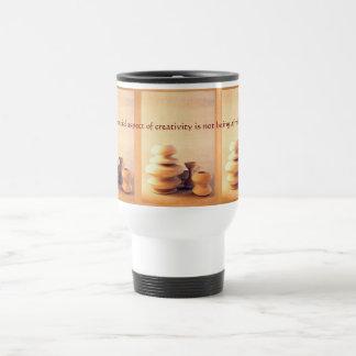 陶磁器陶器の静物画I -ライトおよび影 トラベルマグ