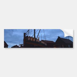 陸上古いボートSouthwoldで バンパーステッカー