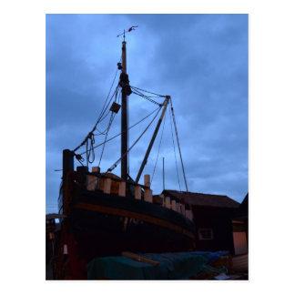陸上古いボートSouthwoldで ポストカード
