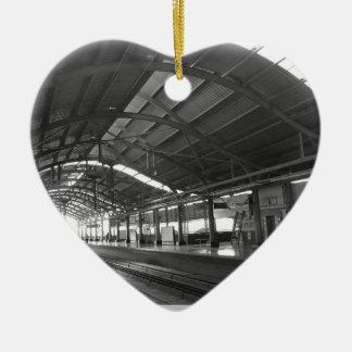 陸標は素晴らしいデリーの地下鉄の鉄道を美化します セラミックオーナメント