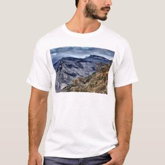 険しい景色 Tシャツ
