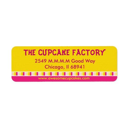 陽気で、明るいカップケーキの工場ビジネスラベル 返信用宛名ラベル