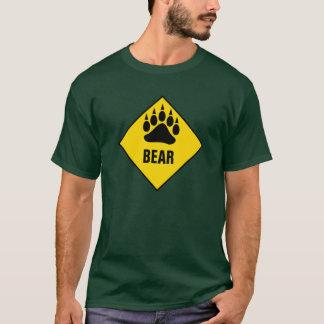 陽気なくまくま足の黄色の交通標識 Tシャツ