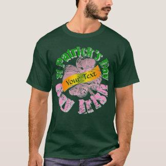 陽気なアイルランド人のセントパトリックの日 Tシャツ