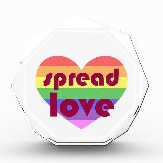 陽気な愛を広げて下さい 表彰盾