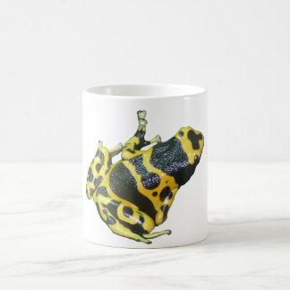 隔離される黄色い毒投げ矢の矢のカエル コーヒーマグカップ