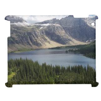 隠された湖はグレーシャー国立公園モンタナを見落とします iPad カバー