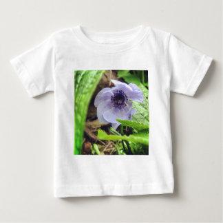 隠れる花 ベビーTシャツ