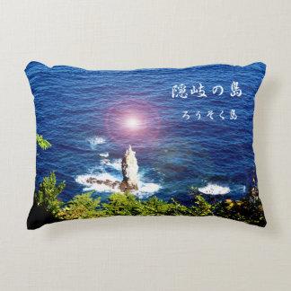 隠岐の島での夕日だと最高のビューになるろうそく島の秋の朝日和り☆光源フラッシュ☆ アクセントクッション