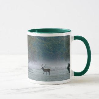 雄鹿および子馬のマグ マグカップ