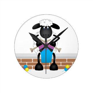 雌ヒツジのための編み物のヒツジ ラウンド壁時計