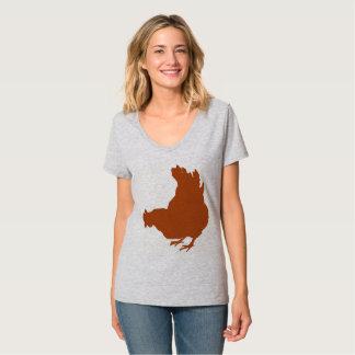 雌鶏[鶏、農家、オーガニックな卵] Tシャツ